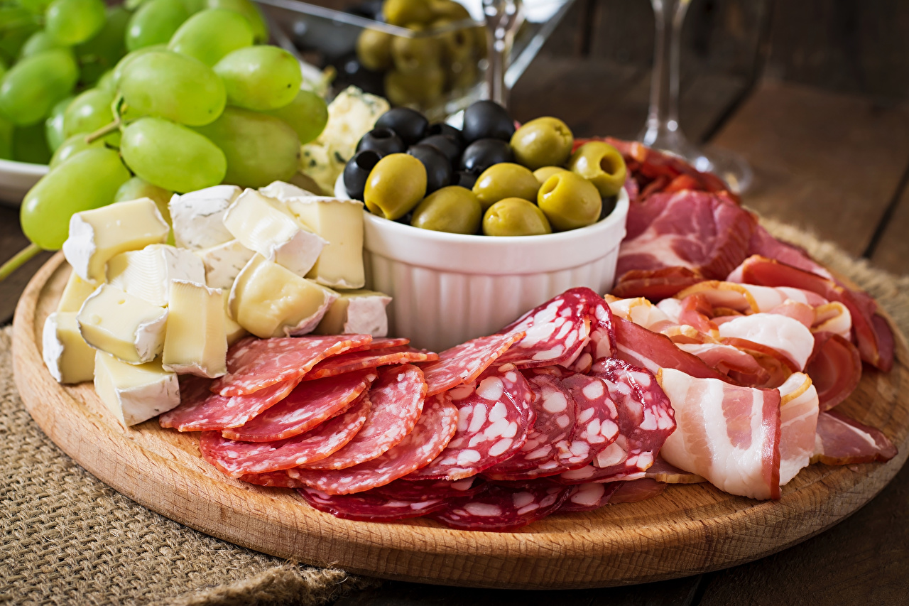 Meat_products_Cheese_Sausage_Ham_Vegetables_Olive_535341_1280x853